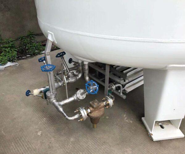 Трубопроводная обвязка криогенного резервуара